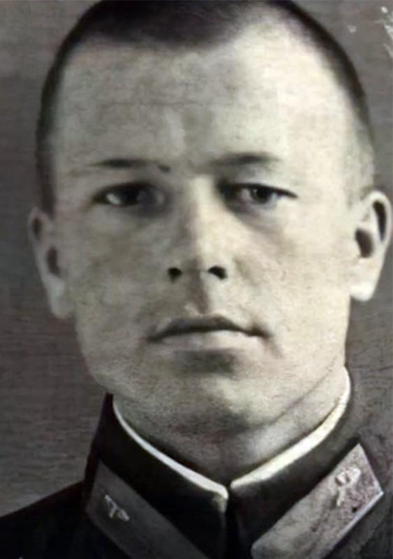 В Липецке перезахоронили младшего лейтенанта, погибшего в первом своём бою