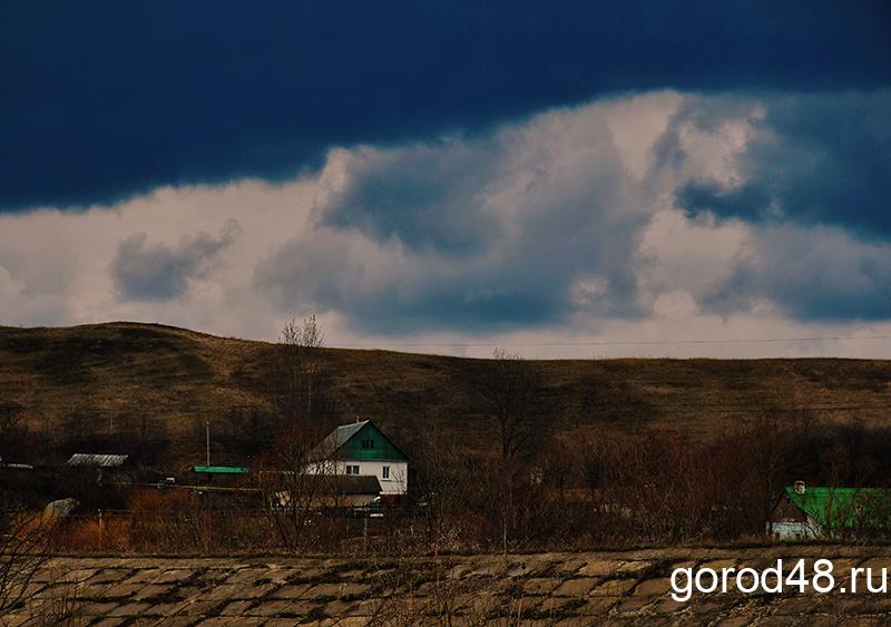 В Липецкой области небольшой дождь, гроза и до +23