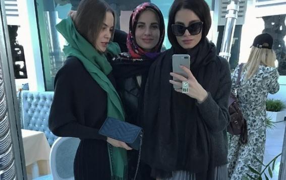 Липчанки дефилируют в Грозном в платьях дочери Рамзана Кадырова