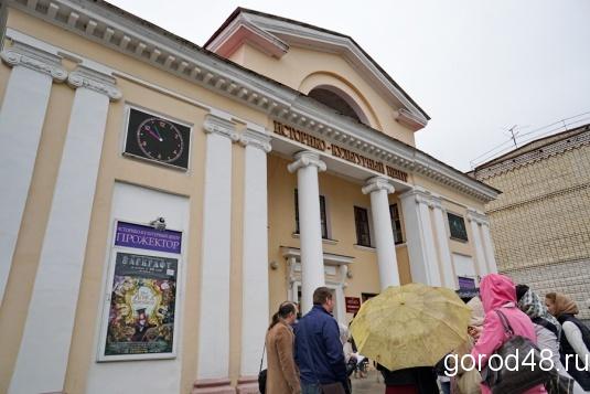 Саратовцы увидят лучшие постановки театров столицы иПитера