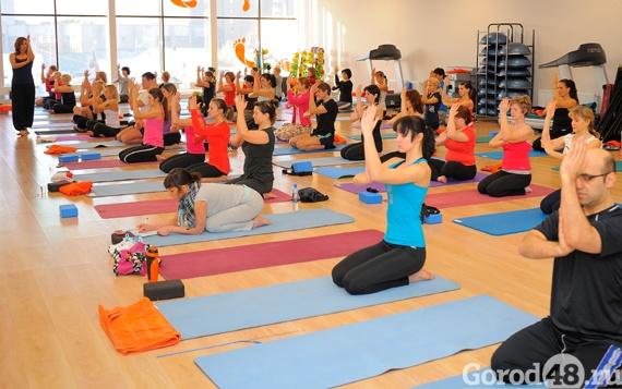Йога при боли в грудном отделе позвоночника