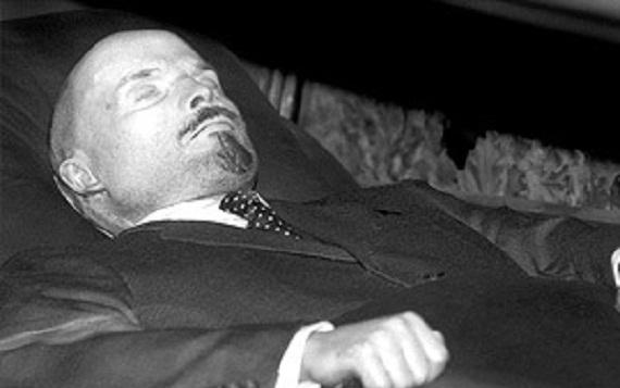 прошлого-не имеет своего будущегов ночь с 31 октября на 1 ноября 1961 года по решению xxii съезда цк кпсс тело