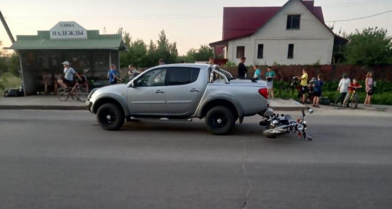 14-летний подросток врезался на мопеде в автомобиль